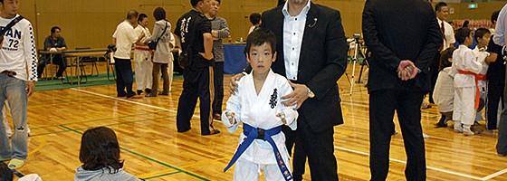 岡﨑師範と山下義人選手